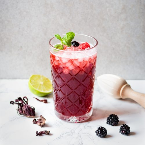 Cocktail mûre-hibiscus